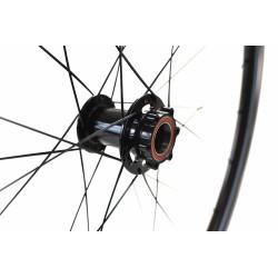 Paire de roues DUKE Baccara 35T / Novatec