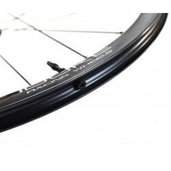 Paire de roues DUKE Baccara 35T / Chris King