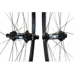 Paire de roues DUKE Baccara 35T / Acros nineteen RD SP